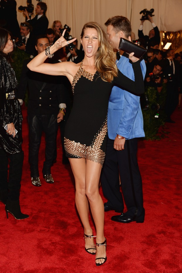 Gisele-Bundchen-2013-Met-Gala-in-NYC-3