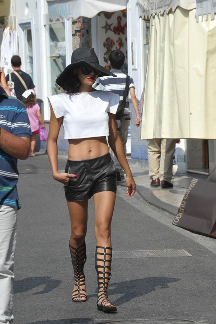 naya-rivera-and-stuart-weitzman-gladiator-sandals-gallery