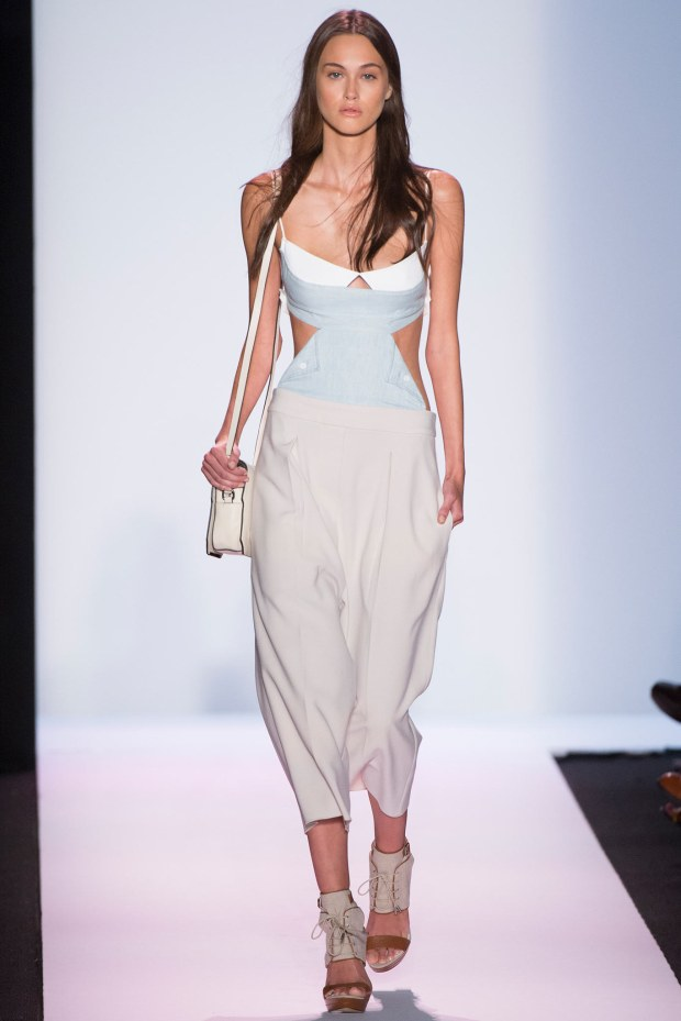 This BCBG look is so effortless from head to toe. If I had that body, I'd be rocking this look everyday!