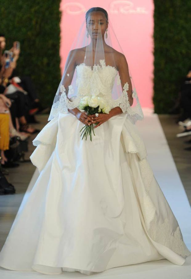 modern-Oscar-de-la-Renta-Bridal-2015-Wedding-Dresses